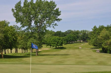 Chalet hills golf club cover picture