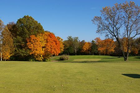 L a nickell golf course cover picture