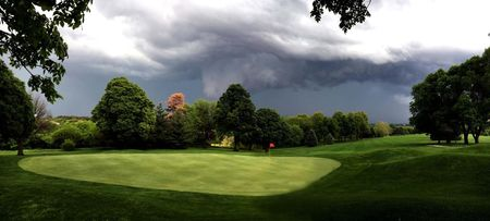 Mahoney golf course cover picture