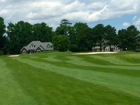 Carolina Colours Golf Club Cover Picture