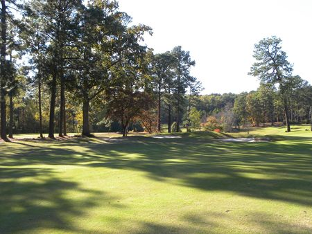Overview of golf course named Southern Pines Golf Club