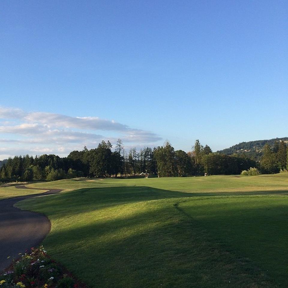 Chehalem glenn golf club cover picture