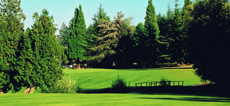Overview of golf course named Gresham Golf Course