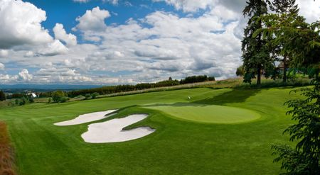 Oregon Golf Club, The Cover Picture