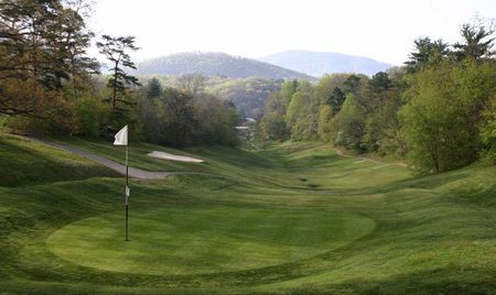 Overview of golf course named Round Mountain Golf Club