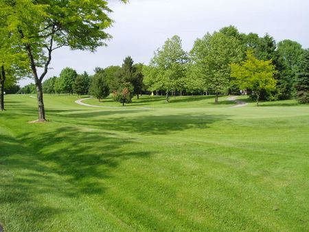 Pleasant view golf club cover picture