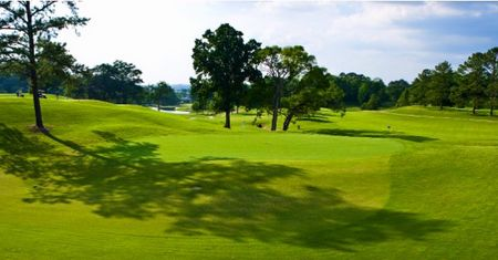 Overview of golf course named Highland Golf Course