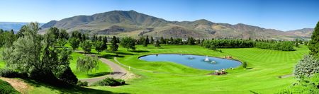 Lake chelan golf course cover picture