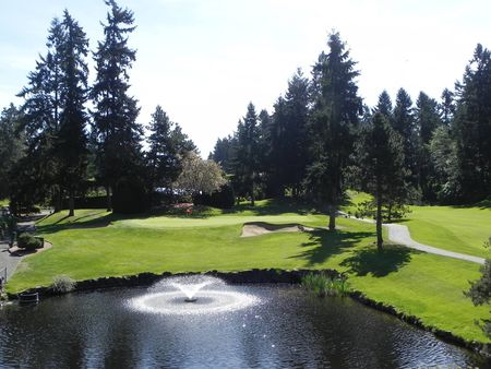 Twin Lakes Golf and Country Club Cover Picture