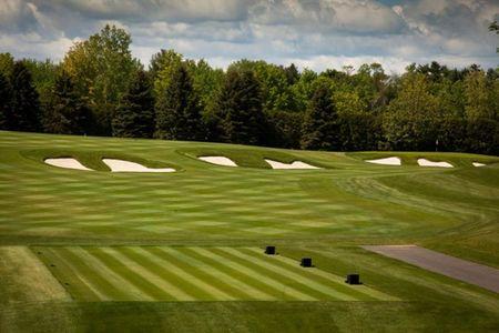 Overview of golf course named Le Club Laval-Sur-Le-Lac - Bleu
