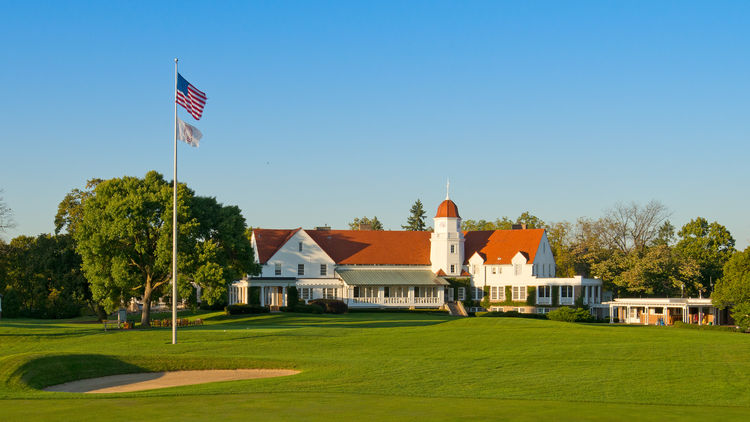Chicago golf club cover picture