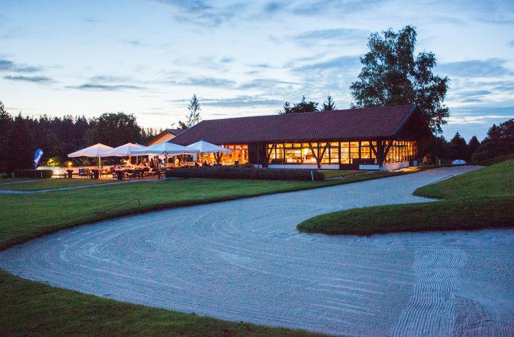 Muenchener golf club e v strasslach cover picture