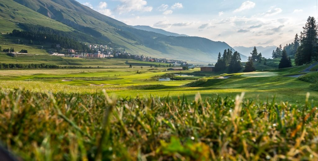 Engadine golf club zuoz madulain cover picture