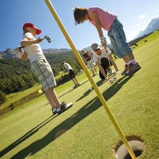 Engadine golf club samedan picture