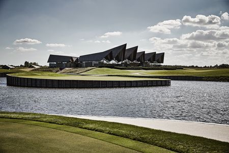 Great northern golf course cover picture