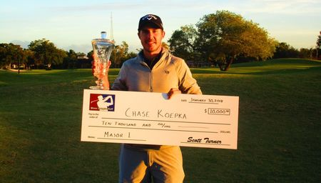 Country club of coral springs chase koepka checkin picture