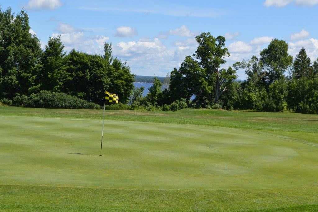 Arnprior golf club cover picture