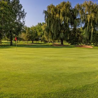 Club de golf riviere rouge cover picture