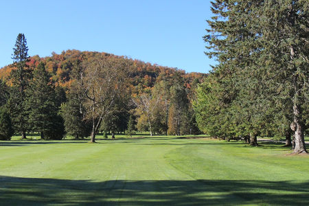 Overview of golf course named Club de Golf Val-Morin