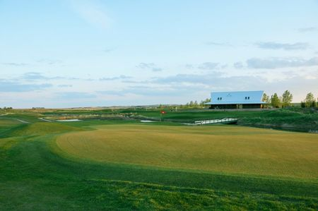 Collicutt siding golf course cover picture