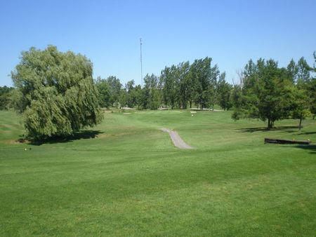 Gananoque golf and country club cover picture
