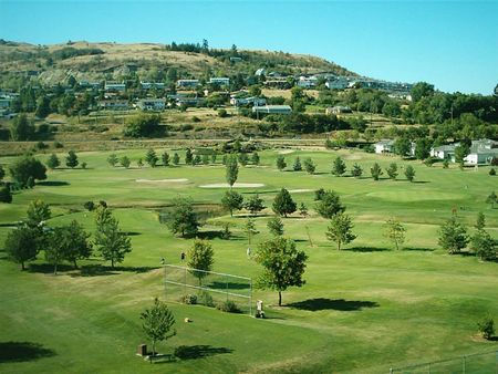 Overview of golf course named Hillview Golf Club