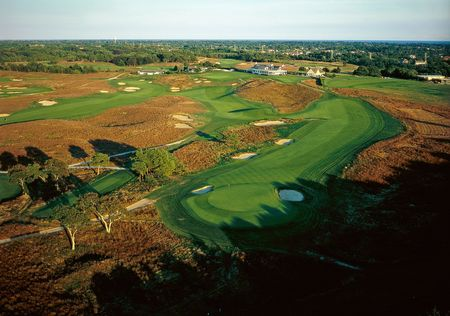 Island Green Golf Club Cover Picture