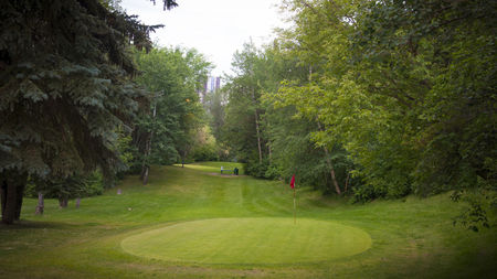 Overview of golf course named Kinsmen Park Pitch and Putt