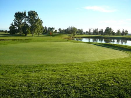 Mccall lake golf course par 3 nine cover picture