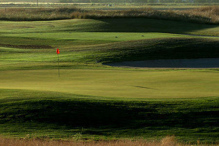 Muirfield lakes golf club cover picture