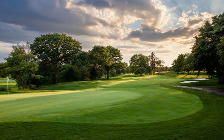 Overview of golf course named Oakville Golf Club