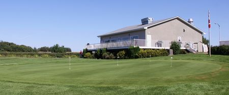 Sandhills Golf and Country Club Cover Picture