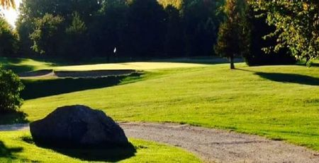 Scenic city golf course cover picture