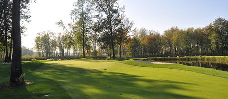 Silver Lakes Golf and Country Club Cover Picture