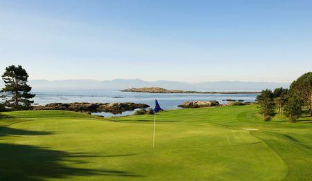 Victoria Golf Course Cover Picture