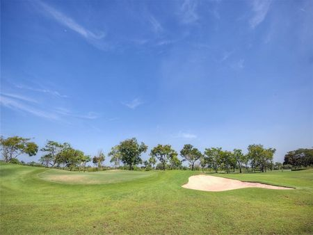 Bangpoo Golf and Sport Club Cover