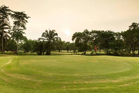 Dynasty Golf and Country Club Cover Picture