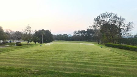 The khao cha ngok golf and country club cover picture