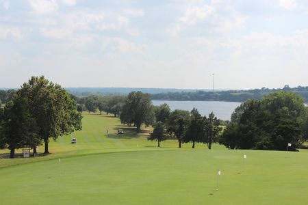 Lew wentz golf course cover picture