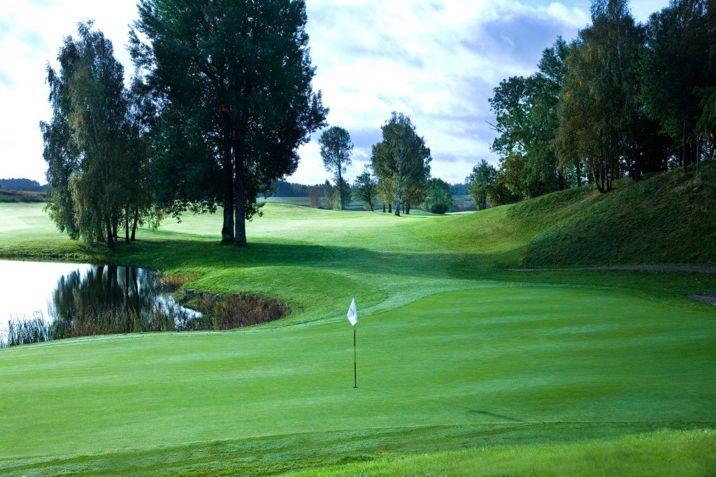 Overview of golf course named Knistad Golf and Country Club
