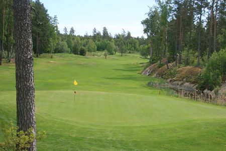 Overview of golf course named Ljustero Golfklubb