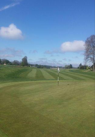 Tjusta Golfklubb Cover Picture