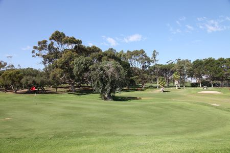Fremantle public golf course cover picture