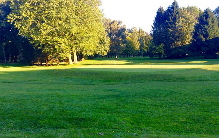 Duisburg military golf club cover picture