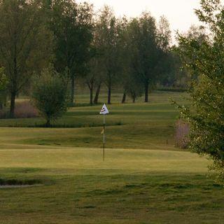 Almkreek golf club cover picture