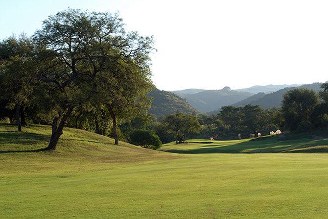 Alta gracia golf club cover picture