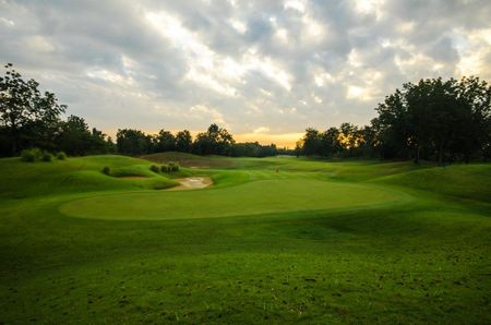 Dragon Hills Golf and Country Club Cover Picture