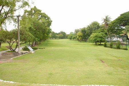 Jompol Por Golf Course Cover Picture