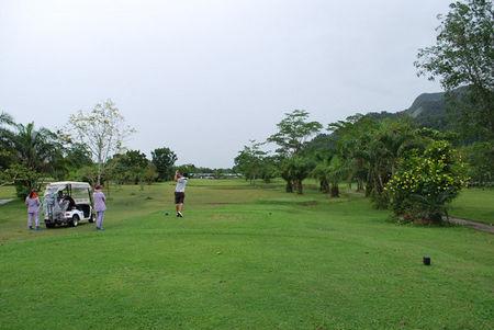 Sri Trang Golf Club Cover
