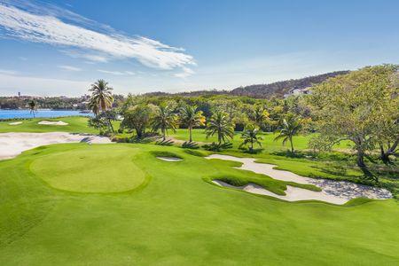 Las Parotas Club de Golf Cover